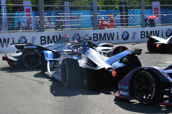Jose Maria Lopez (ARG), GEOX Dragon Racing, Penske EV-3, spins as Antonio Felix da Costa (PRT), BMW I Andretti Motorsports, BMW iFE.18 and Sam Bird (GBR), Envision Virgin Racing, Audi e-tron FE05 follow