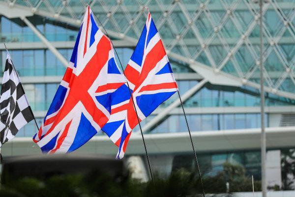 Union flags at Formula One World Championship, Rd20, Abu Dhabi Grand Prix, Race, Yas Marina Circuit, Abu Dhabi, UAE, Sunday 26 November 2017.