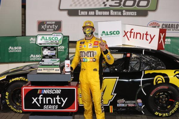 Race winner Kyle Busch, Joe Gibbs Racing Toyota App State Class of 2020, Copyright: Chris Graythen/Getty Images.