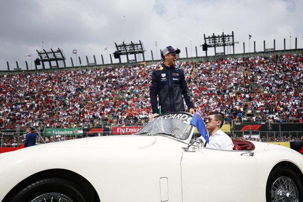 Daniel Ricciardo, Red Bull Racing, in the drivers parade