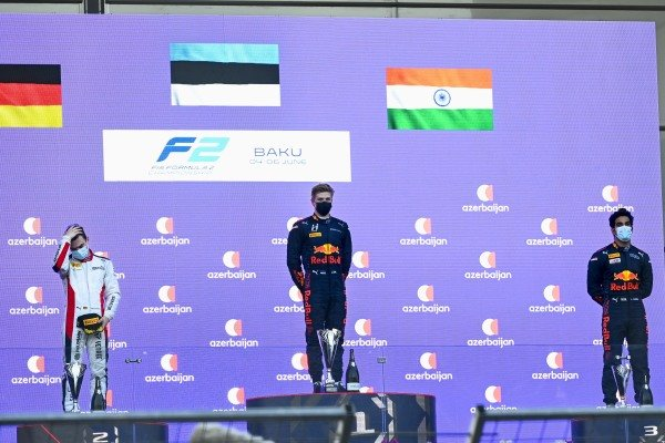 David Beckmann (DEU, Charouz Racing System), 2nd position, Juri Vips (EST, Hitech Grand Prix), 1st position, Jehan Daruvala (IND, Carlin), 3rd position