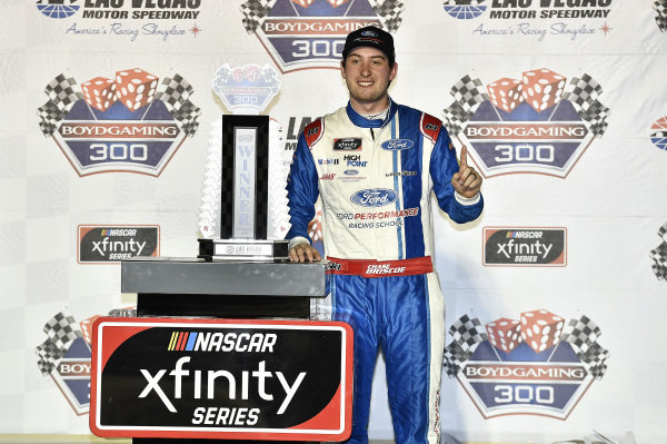 #98: Chase Briscoe, Stewart-Haas Racing, Ford Mustang Ford Performance Racing School, celebrates in Victory Lane.