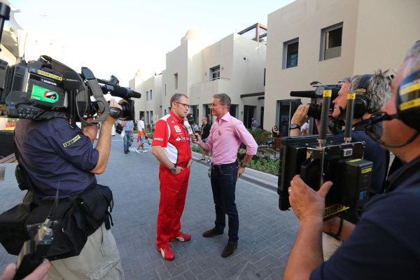 David Coulthard (GBR) BBC Television Commentator talks with Stefano Domenicali (ITA) Ferrari General Director. Formula One World Championship, Rd18, Abu Dhabi Grand Prix, Qualifying, Yas Marina Circuit, Abu Dhabi, UAE, Saturday 3 November 2012.