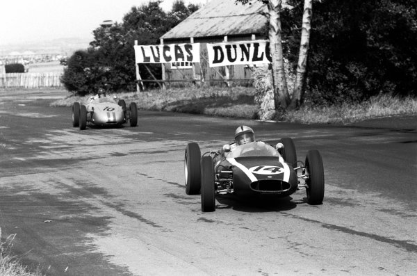 British GP, Aintree, 15 July 1961,  Bruce Mclaren (Cooper T55) leads  Dan Gurney (Porsche 718)