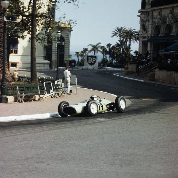 Monte Carlo, Monaco.23-26 May 1963.Innes Ireland (Lotus 24 BRM).Ref-3/0925.World Copyright - LAT Photographic