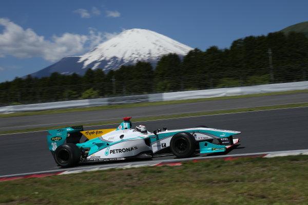 2014 Super Formula Series. Fuji, Japan. 17th - 18th May 2014. Rd 2. Race 2 - Winner Andre Lotterer ( #36 PETRONAS TOM'S SF14 ) action World Copyright: Yasushi Ishihara / LAT Photographic. Ref: 2014SF_Rd2_021.JPG