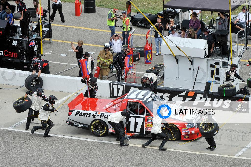13-14 April, 2013, Rockingham, North Carolina USA Timothy Peters pit stop ©2013, Scott R LePage LAT Photo USA