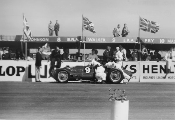 1950 British Grand Prix.Silverstone, Great Britain. 13 May 1950.Peter Walker/Tony Rolt (ERA E-type) in the pits. Ref-3734I #18.World Copyright - LAT Photographic