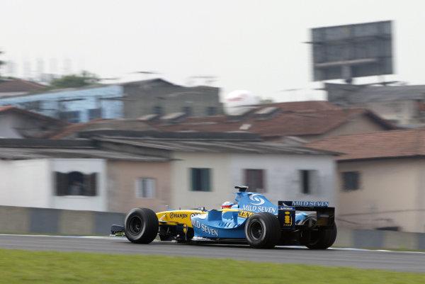2004 Brazilian Grand Prix - Friday Practice,Interlagos, Sao Paulo, Brazil. 22nd October 2004 Fernando Alonso, Renault R24, action.World Copyright: Steve EtheringtonLAT Photographic ref: Digital Image Only