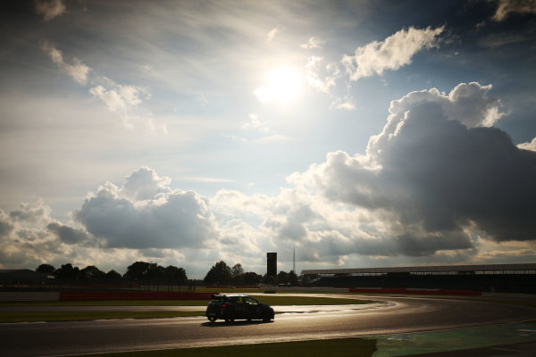 2017 Renault Clio Cup, Silverstone, Northants, UK. 16th-17th September 2017 Brett Lidsey (GBR) MRM Renault Clio Cup World copyright. JEP/LAT Images