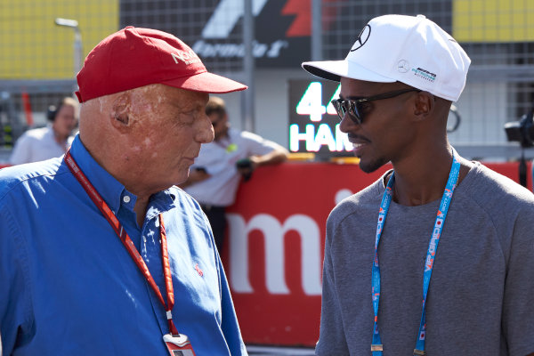 Suzuka Circuit, Japan. Sunday 8 October 2017. Niki Lauda, Non-Executive Chairman, Mercedes AMG, with Olympic champion Sir Mo Farah. World Copyright: Steve Etherington/LAT Images  ref: Digital Image SNE15922