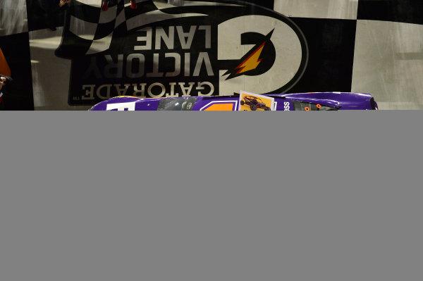 2017 NASCAR Monster Energy Cup - Can-Am Duels Daytona International Speedway, Daytona Beach, FL USA Thursday 23 February 2017 Denny Hamlin, FedEx Express Toyota Camry, wins the 2nd Can-Am Duel. World Copyright: John K Harrelson / LAT Images ref: Digital Image 17DAY2jh_03341