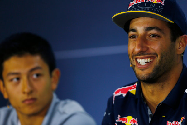 Hockenheim, Germany. Thursday 28 July 2016. Daniel Ricciardo, Red Bull Racing, with Rio Haryanto, Manor Racing MRT, in the Thursday press conference. World Copyright: Andy Hone/LAT Photographic ref: Digital Image _ONY5882
