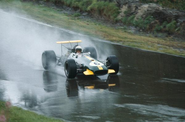 1968 International Gold Cup.  Oulton Park, England. 17th August 1968.  Jack Brabham, Brabham BT26 Repco.  Ref: 68GC24. World Copyright: LAT Photographic