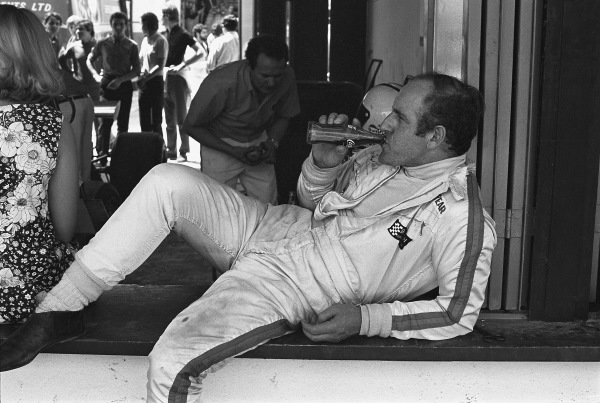1970 Spanish Grand Prix. Jarama, Madrid, Spain. 17th - 19th April 1970. Denny Hulme (McLaren M14A-Ford), retired, portrait.  World Copyright: LAT Photographic. Ref:  2996 - 6.