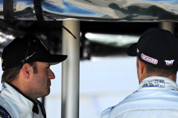 L-R: Rubens Barrichello (BRA) and Tony Kanaan (BRA). Rubens Barrichello IndyCar Test, Sebring, Florida, USA, Tuesday 31 January 2012.