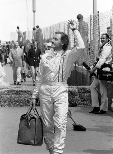 5 times Monaco GP Winner, Graham Hill(GBR) waves to the crowd Monaco GP, 23 May 1971