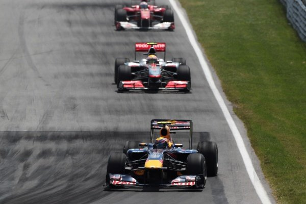 Mark Webber (AUS) Red Bull Racing RB6 leads Lewis Hamilton (GBR) McLaren MP4/25.Formula One World Championship, Rd 8, Canadian Grand Prix, Race, Montreal, Canada, Sunday 13 June 2010.