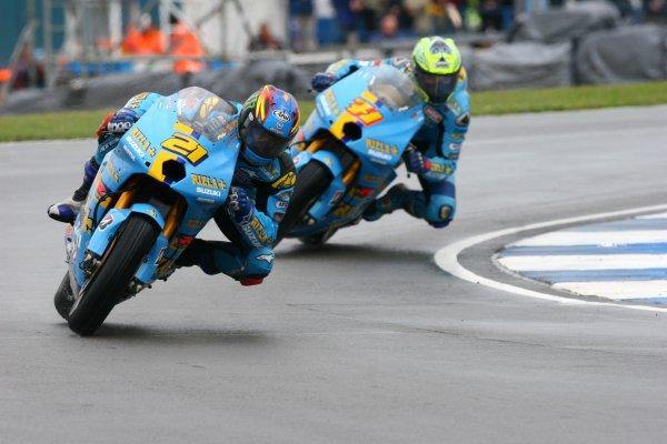 2007 Moto GP British Grand Prix.Donington Park, England.22nd-24th June 2007.John Hopkins leads Chris Vermeulen (both Rizla Suzuki Moto GP, Suzuki GSV-R XRG0) action.World Copyright: Kevin Wood/LAT Photographicref: Digital Image IMG_6164