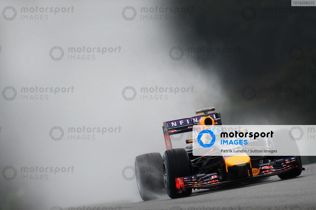Sebastian Vettel (GER) Red Bull Racing RB10. Formula One World Championship, Rd2, Malaysian Grand Prix, Qualifying, Sepang, Malaysia, Saturday 29 March 2014.  BEST IMAGE