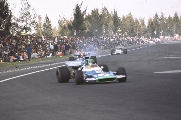 1970 Mexican Grand Prix.Mexico City, Mexico.23-25 October 1970.Henri Pescarolo (Matra-Simca MS120) leads Francois Cevert (March 701 Ford). Pescarolo finished in 9th position.Ref-70 MEX 32.World Copyright - LAT Photographic