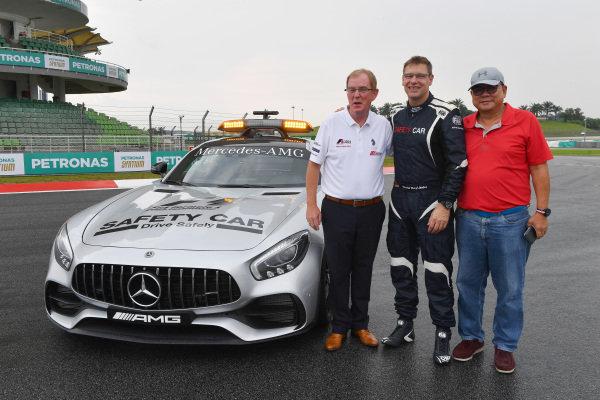 Professor Steve Grigg and Bernd Maylander (GER) FIA Safety Car Driver at Formula One World Championship, Rd15, Malaysian Grand Prix, Preparations, Sepang, Malaysia, Thursday 28 September 2017.