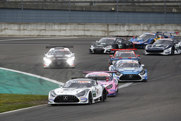 Start practice, Gary Paffett, Mücke Motorsport Mercedes AMG GT3 leads.