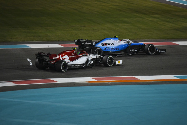 Robert Kubica, Williams FW42, battles with Antonio Giovinazzi, Alfa Romeo Racing C38