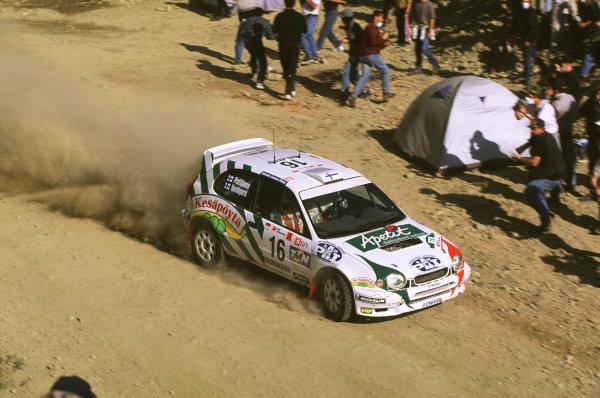 FIA World Rally ChampionshipPortuguese Rally, Porto, Portugal16-19th March 2000.Harri Rovanpera and co driver (Toyota) action.World - LAT PhotographicTel: +44 (0) 181 251 3000Fax: +44 (0) 181 251 3001e-mail: latdig@dial.pipex com