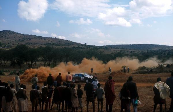 Harri Rovanpera (FIN), Peugeot 206 WRC), was second.Safari Rally, Nairobi, Kenya. 20-22 July 2001.BEST IMAGE