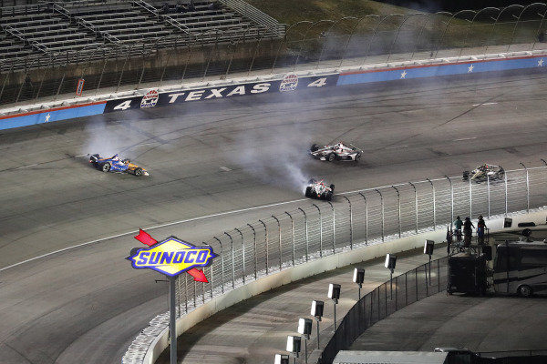 Scott Dixon, Chip Ganassi Racing Honda, Colton Herta, Harding Steinbrenner Racing Honda, crash