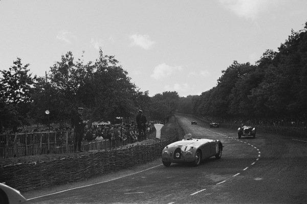 1939 Le Mans 24 Hours. Le Mans, France. 18th June 1939. Jean-Pierre Wimille / Pierre Veyron (Bugatti 57C), 1st position, action.  World Copyright: LAT Photographic. Ref:  L165 - 11A.