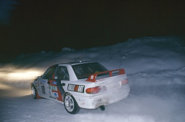 1995 World Rally Championship.Swedish Rally, Sweden. 10-12 February 1995.Kenneth Eriksson/Staffan Parmander (Mitsubishi Lancer Evo2), 1st position.World Copyright: LAT PhotographicRef: 35mm transparency 95RALLY02