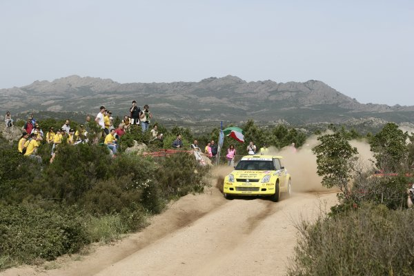 FIA World Rally Championship 2006Round 7Rally of Italy, Sardinia.18th - 21st May 2006.Guy Wilks, Suzuki, action.