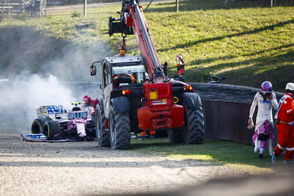 Lance Stroll, Racing Point walking away fafter crashing