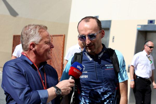 Johnny Herbert, Sky TV talks with Robert Kubica, Williams