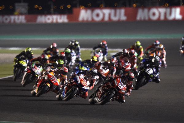 Andrea Dovizioso, Ducati Team, 1st lap.