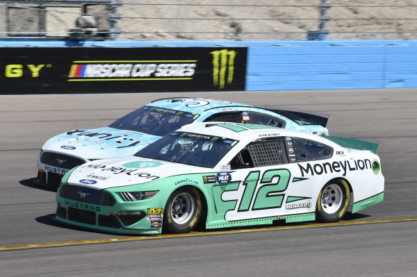 #12: Ryan Blaney, Team Penske, Ford Mustang MoneyLion, #36: Matt Tifft, Front Row Motorsports, Ford Mustang Surface Sunscreen / Tunity