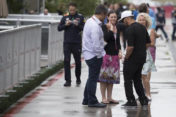 Juan Pablo Montoya (COL) and Nick Hamilton (GBR) at Formula One World Championship, Rd17, United States Grand Prix, Race, Circuit of the Americas, Austin, Texas, USA, Sunday 22 October 2017.