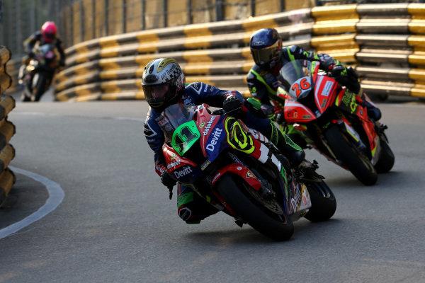 Dominic Herbertson, Dafabet Devitt Racing KAWASAKI ZX10-RR.