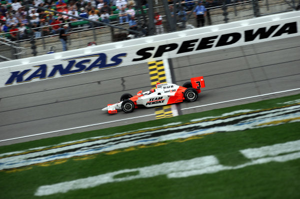 Helio Castroneves (BRA), Team Penske, finished second.