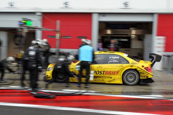 Pit stop for David Coulthard (GBR), AMG Mercedes, AMG Mercedes C-Klasse (2008).DTM, Rd10, Adria International Raceway, Italy. 29-31 October 2010 World Copyright: LAT Photographicref: dne1031oc117