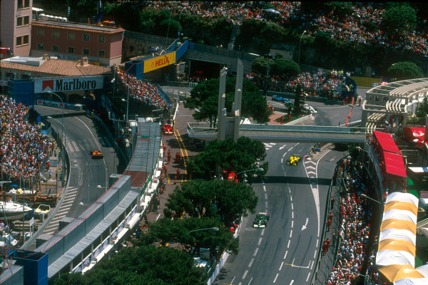 Monte Carlo, Monaco. 29th May 2001. Race action around the corner, Anthony Nogues.World Copyright: Michael Cooper/LAT Photographic ref: 35mm Priority Image 01MON15