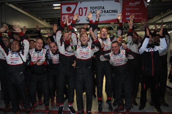 2017 FIA World Endurance Championship, Fuji, Japan. 13th-15th October 2017, Toyota celebrate the win World copyright. JEP/LAT Images