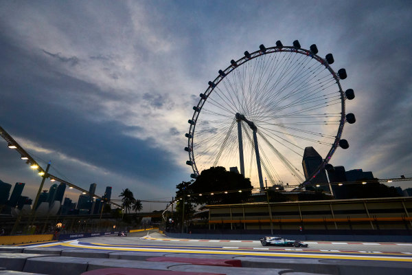 Marina Bay Circuit, Marina Bay, Singapore. Saturday 16 September 2017. Lewis Hamilton, Mercedes F1 W08 EQ Power+. World Copyright: Steve Ethrington/LAT Images  ref: Digital Image SNE18189