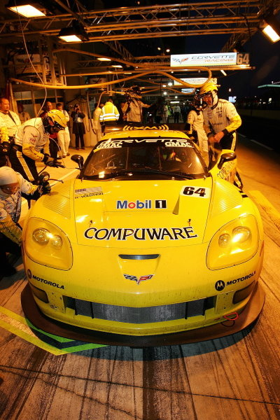 Oliver Gavin (GBR) Olivier Beretta (MCO) Jan Magnessen(DNK) Corvette Racing Corvette C6-R, in the pits during Wednesday nights practice session.Le Mans 24 Hours, First Qualifying, Le Mans, France, 15 June 2005.DIGITAL IMAGE
