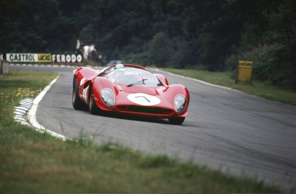 1967 BOAC 500.Brands Hatch, Great Britain.30th July 1967.Ludovico Scarfiotti/Peter Sutcliffe (Ferrari 330P4), 5th position, action.World Copyright: LAT Photographic