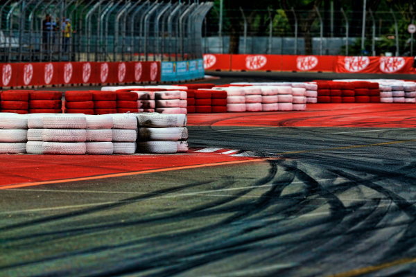 4-5 May, 2013, Sao Paulo, Brazil Drivers' view of turn 1 © 2013, Michael L. Levitt LAT Photo USA.