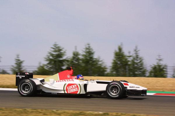 2003 European Grand Prix - Friday 1st Qualifying,Nurburgring, Germany.27thth June 2003.Jacques Villeneuve, BAR Honda 005, actionWorld Copyright LAT Photographic.Digital Image Only.
