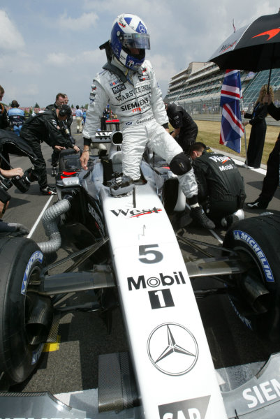 2003 European Grand Prix - Sunday RaceNurburgring, Germany.29th June 2003.David Coulthard, West McLaren Mercedes MP4/17D, on the grid.World Copyright LAT Photographic.Digital Image Only.